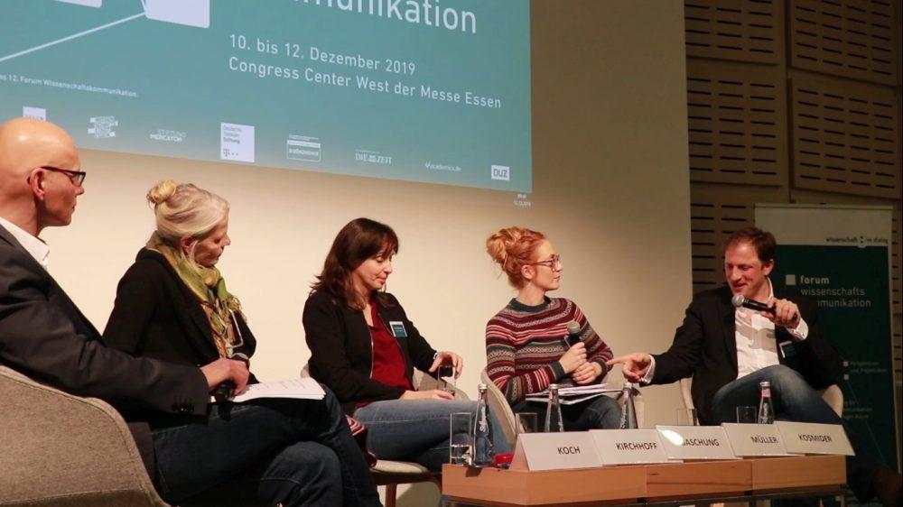 Podiumsgespräch beim Forum Wissenschaftskommunikation: (2019). Videostill: Wissenschaft im Dialog.