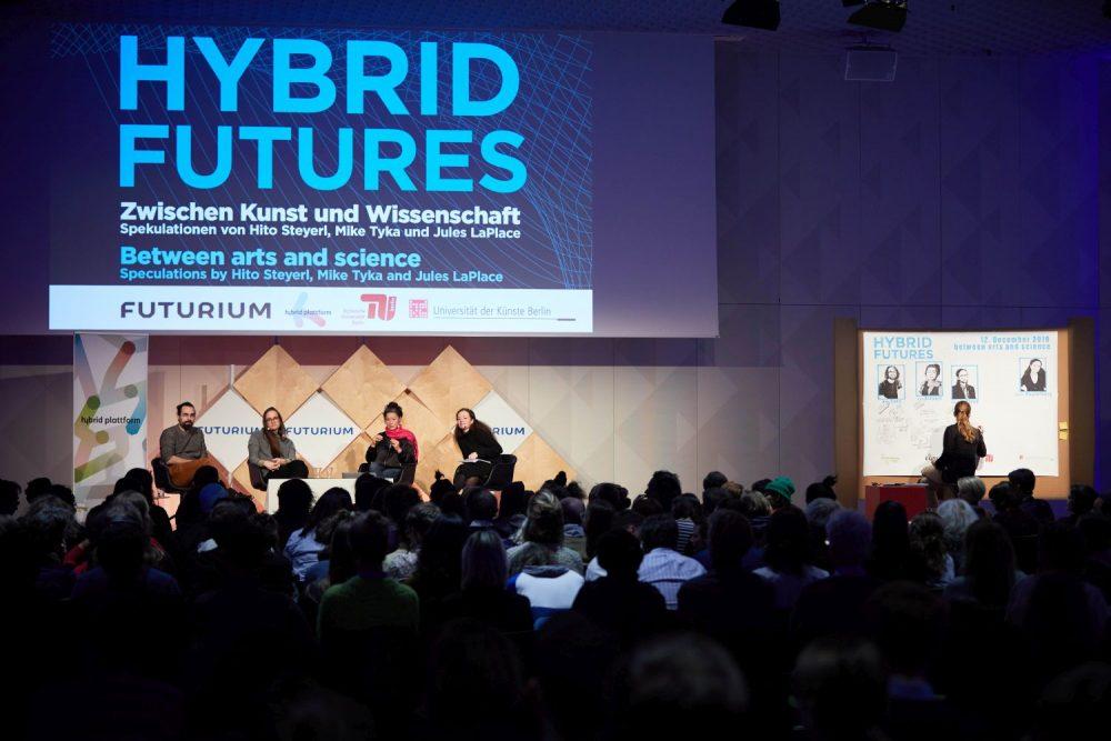 Hybrid Futures Event mit Hito Steyerl (2019). Foto: René Anrold.
