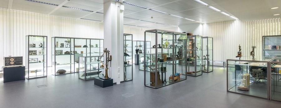 Dauerausstellung der Universitätssammlungen in der Kustodie der TU Dresden (2020). Foto: TU Dresden.
